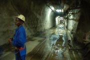 La baisse des prix de ses principaux produits miniers d'exportation inquiète la RDC