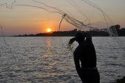8 filets de pêche restitués aux propriétaires après une enquête faite par la Force navale de Baraka.